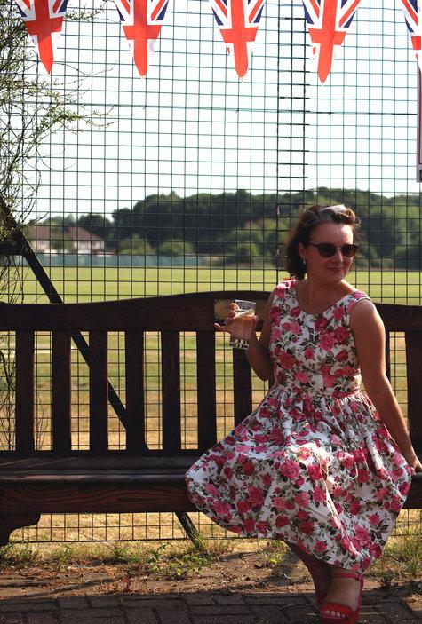 Vintage_rose_dress_large