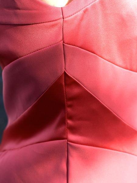 Swirl_sheath_dress_-_right_seam_detail_large