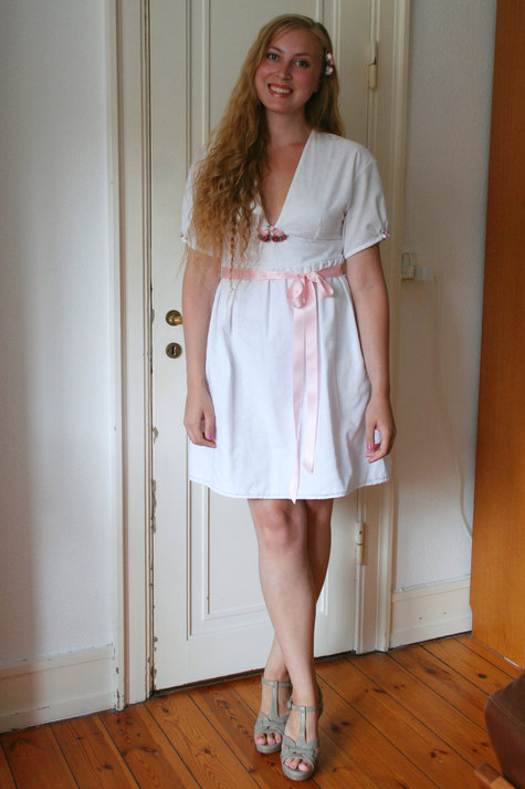 16__elsine_white_dress_pink_roses1_large