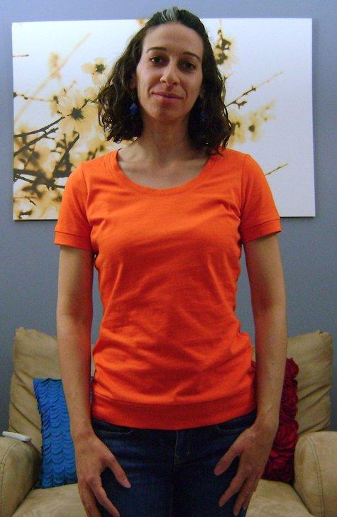 Sewaholic_renfrew_2_-_short_sleeves_-_rounded_neck_-_front_large