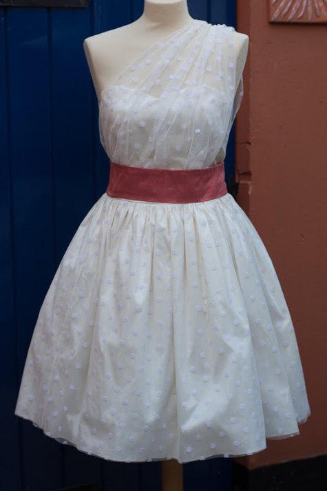 Su_sews_so_so_wedding_dress-7_large