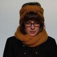 Knitting_the_night_away_1_listing