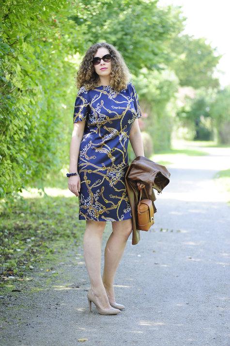 Horsebit-dress-valentino-rockstud-chanel-vernis5_large