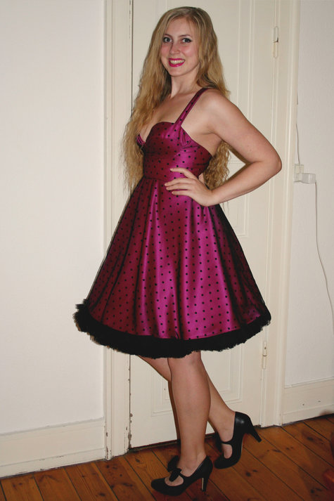 Henriette_pink_and_dots1_large