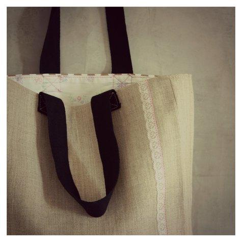 Lamoyenneback_shopper_large