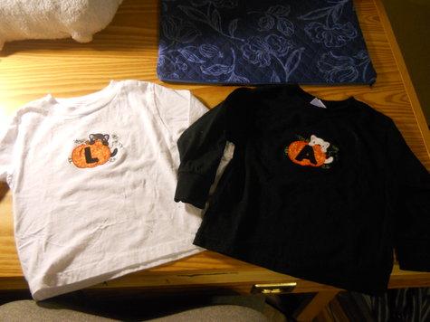 Twin_s_pumpkin_shirts_large