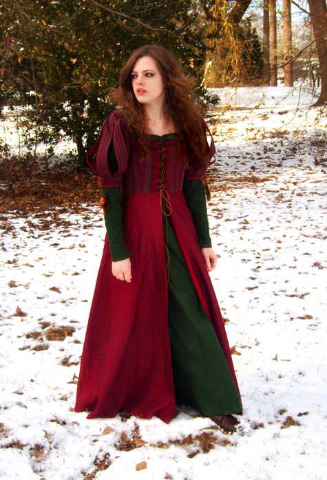 Snow White Amp The Huntsman Inspired Medieval Dress Sewing