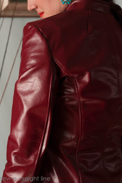 Leather_lessons_sew_a_straight_line-12_large