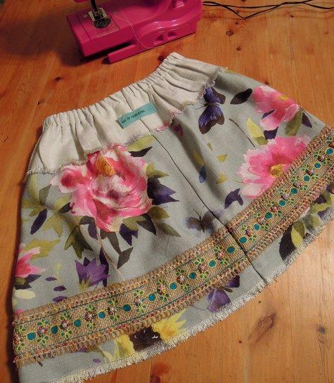 Elasticated_waist_skirt_sml_large
