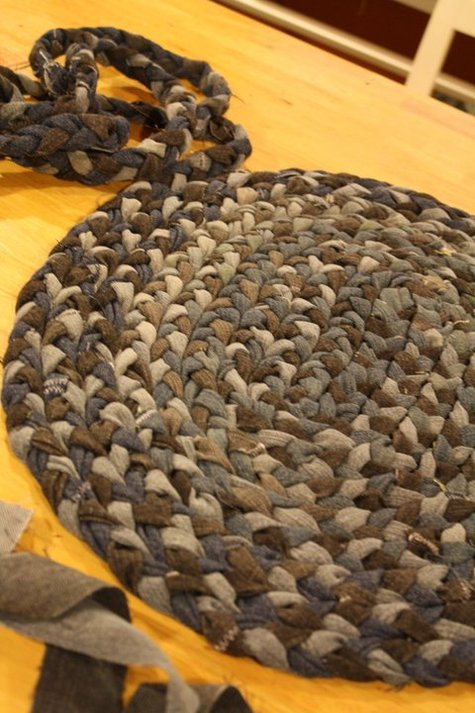 Braided-rug-steps-8_large