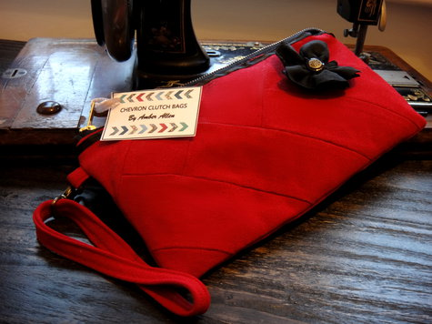 Red_clutch_front_view_large