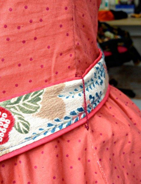 Vintage_shirt_dress_closeup_large
