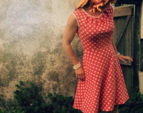 Spotlight_dress_large