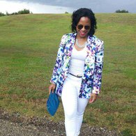 Dominica_3_white_jeans_listing