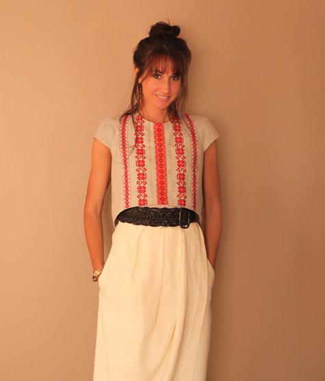 Ukrainian_1-1_embroidered_blouse_mom_large