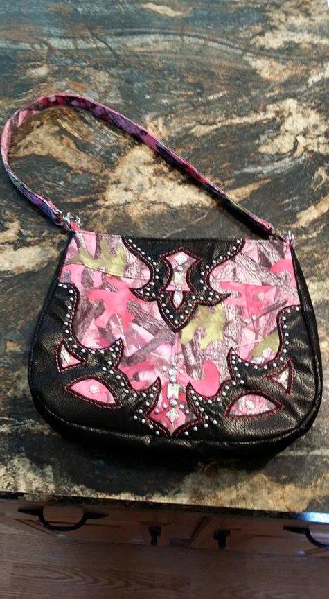 Pink_camo_purse_large