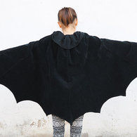 Ladulsatina_halloween-refashion-2015_transforming-skirt-bat-wings-cloak_02_listing