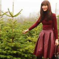 Szilvia_bodi_xfactor_rita_ora_style_burgundy_leather_skirt_fb_listing