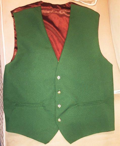 Green_vest_front_large
