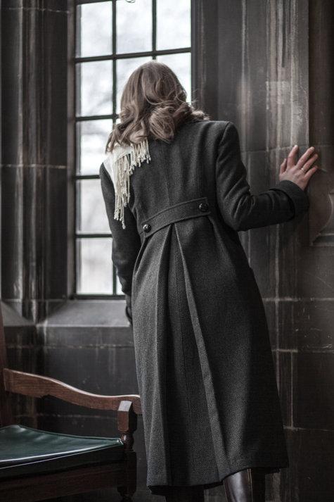 Dana_jacket_2_of_5__large