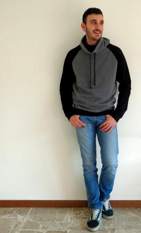 Burda_man_sweatshirt_6718_large