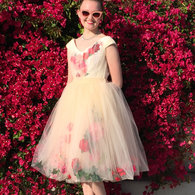 Tessa_sunglasses_prom_2016_listing