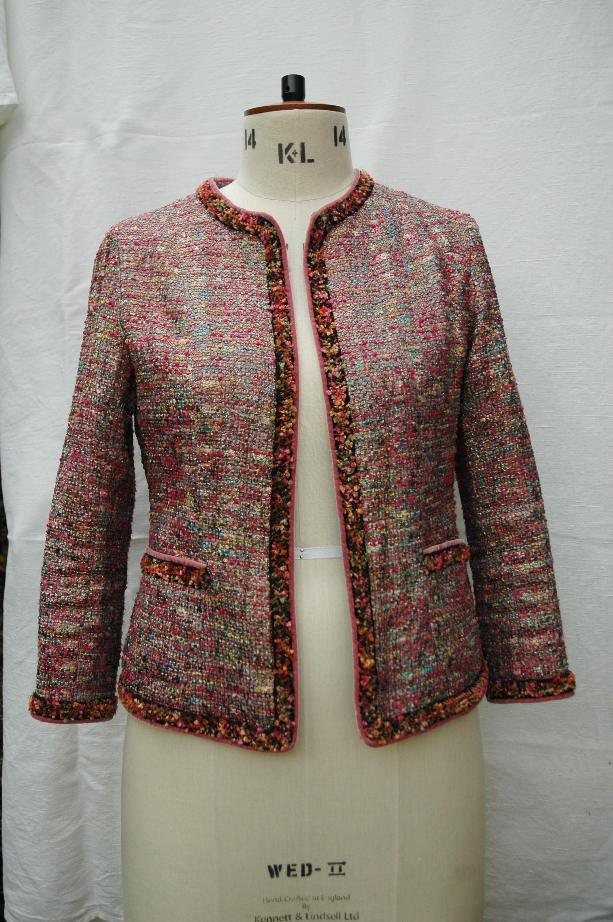 Chanel Style Boucle Jacket Sewing Projects Burdastyle Com