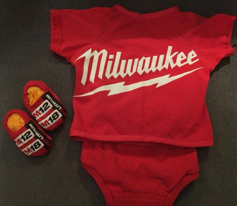 Diaper_shirt_set_milwaukee_tee_back_large