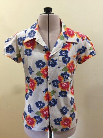 Hawaiian_shirt_front_large