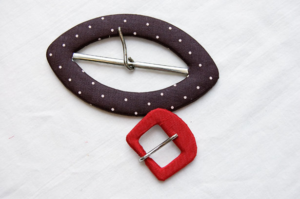 Self-cover-buckle-1_large